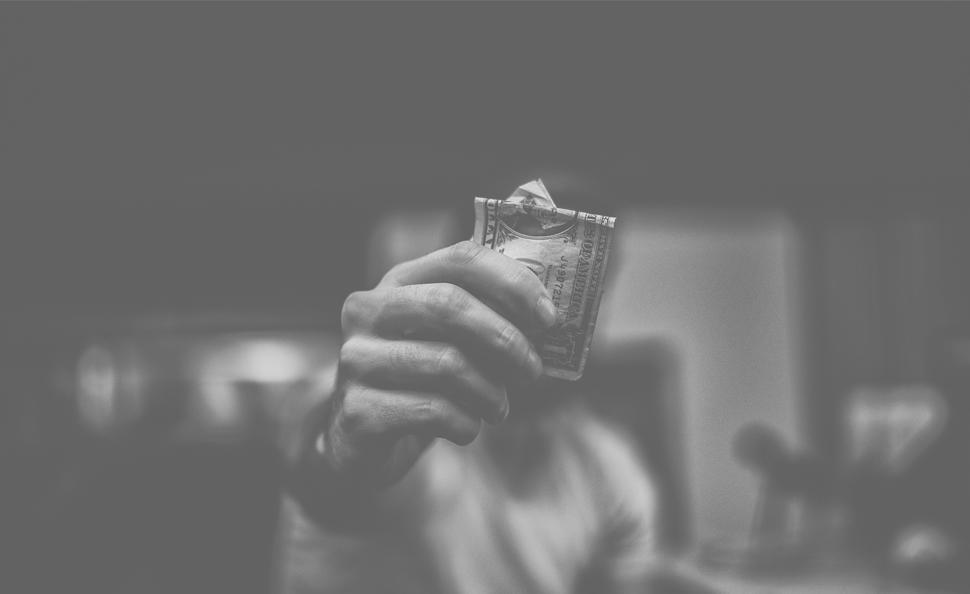 ¿Por qué está desapareciendo el dinero en efectivo?